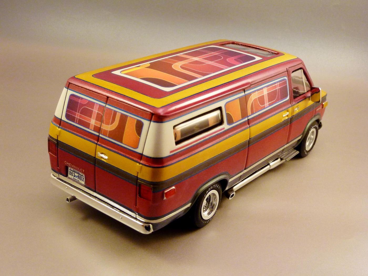 Van Chevy 75 (Vantasy) terminé - Page 5 Photo5-vi