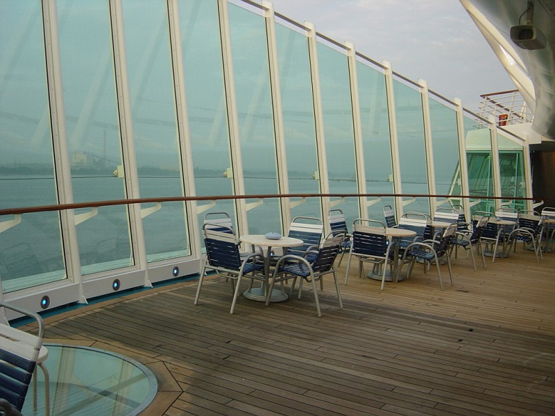 Instant Pool Decks : Photo pool deck starboard enchantment of the seas