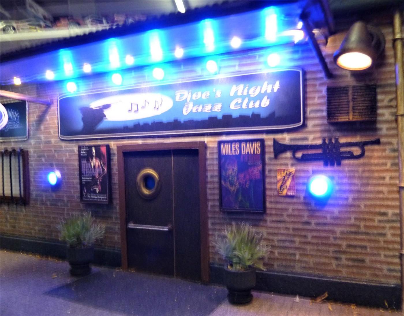 Djoe's Night Jazz Club  - Page 2 Photo59-vi