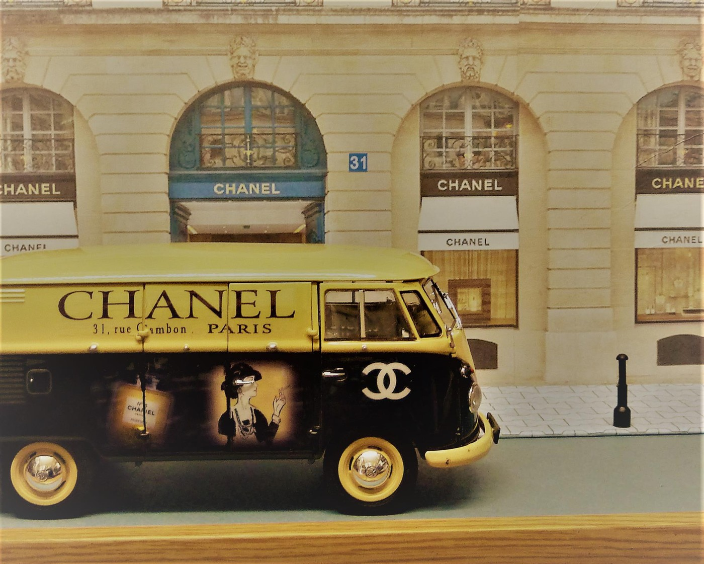 Combi  wv publicitaire Chanel terminé  Photo60-vi