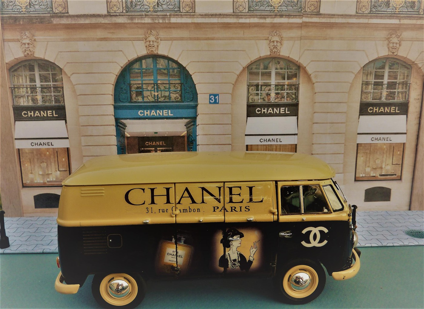 Combi  wv publicitaire Chanel terminé  Photo81-vi