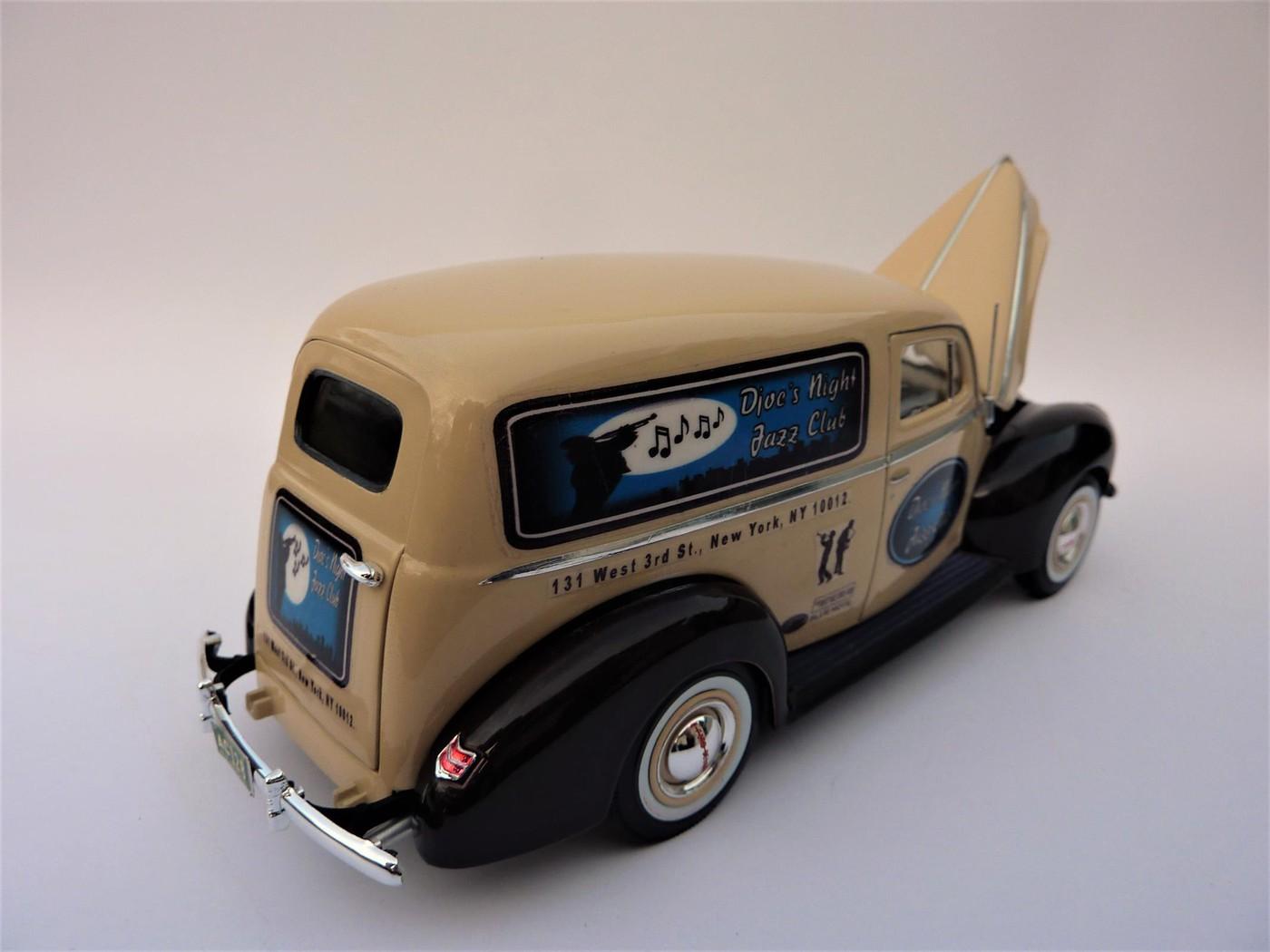 """Ford 40 Panel van """"Djoe's Night Jazz Club"""" terminée Photo34-vi"""