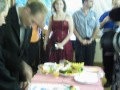 Gordon cutting the cake