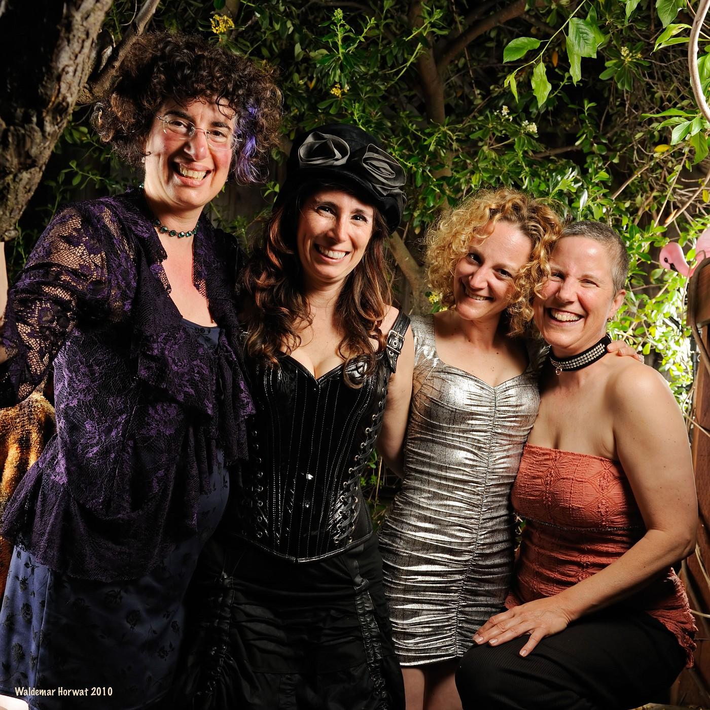 Serafine, Melanie, Mango, and Anabelle