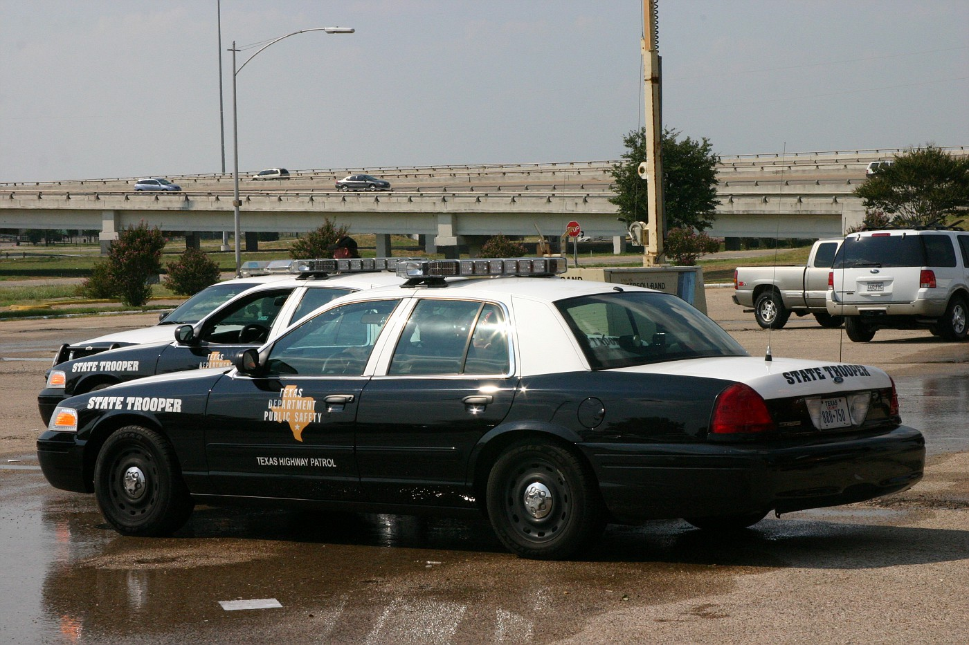 Texas Dept of Public Safety, escort units