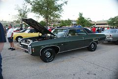 Skokie (IL) cruise night- June