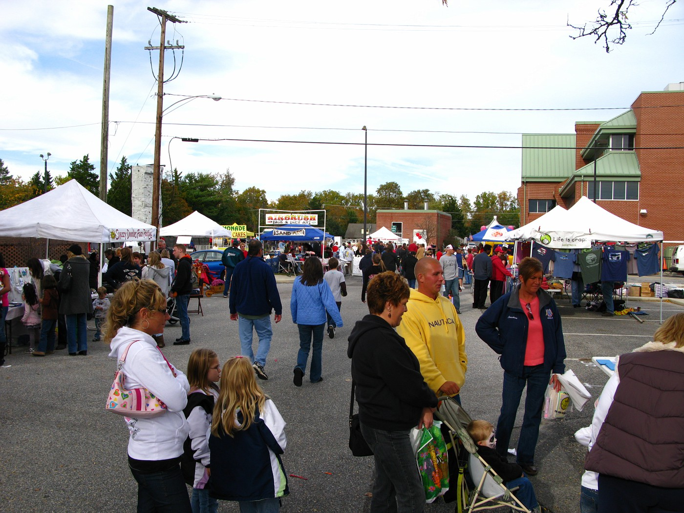 Harvest Fest in CMCH 10-25-2009 (24)