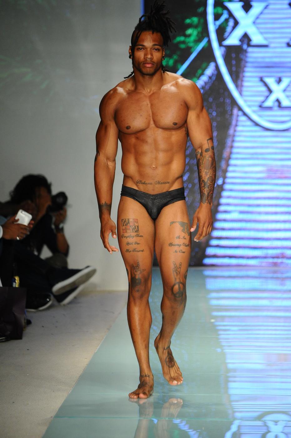 Mr_TrippleX_MiamiSwim_SS18_624-vi.jpg
